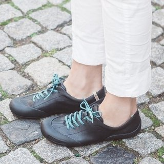 Women's Athletic Style Flat Lace Up All Season Sneakers