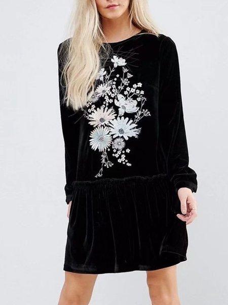 Floral Embroidered Velvet Long Sleeve Flounce Dress