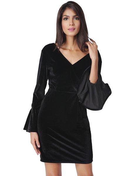 Black Flared Open Back Solid V Neck Velvet Dress