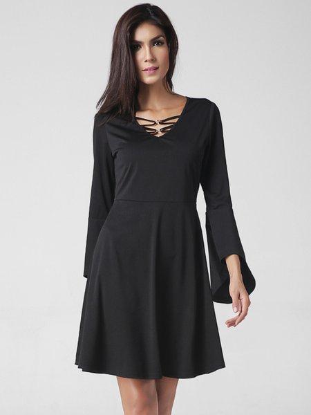 Black Solid Flared Sleeve V Neck Elegant Dress - JustFashionNow.com