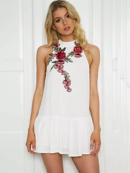 Appliqued Floral Backless Sexy Sleeveless Crew Neck A-line Dress