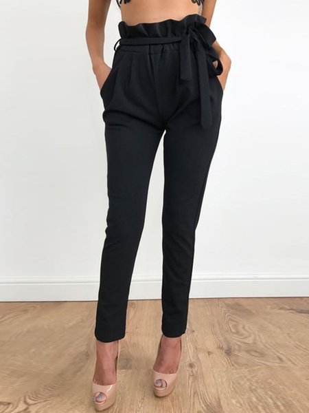 Black Pockets Solid Ruffled Pants with Belt