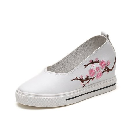 Flower Embroidered PU Wedge Heel Loafers