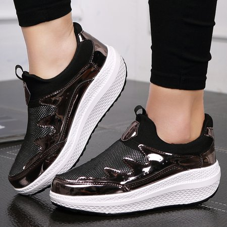 Breathable Mesh Fabric PU Split Joint Slip On Sneakers