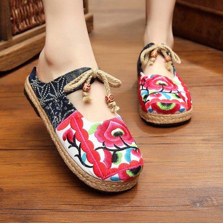 Floral Embroidered Bowknot Lace-up Loafers