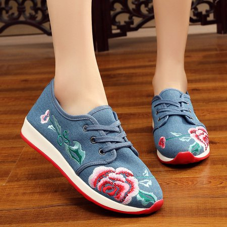 Floral Embroidered Lace-up Platform Sneakers
