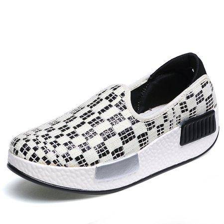 Slip-On Checkered Shaking Shoes Canvas Loafers