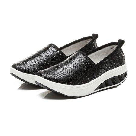 Women Large Size Scale Pattern Slip On Rocker Sole Shake Shoes Slip On Loafers