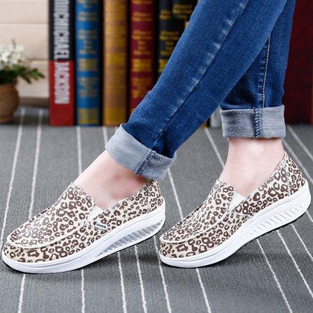 Women Leopard Print Slip-On Canvas Loafers
