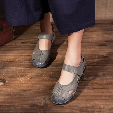 Magic Tape Closure Leather Outdoor Casual Sandal