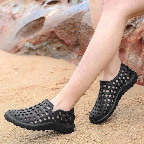 f134ccbece6 Men Hole Light Weight Soft Beach Shoes Water Sandals ...
