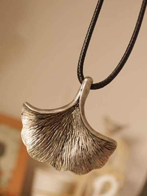 Silver Metal Leaf Vintage Necklace