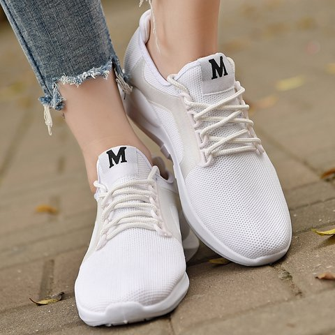 Plus Size Breathable Mesh Fabric Sneakers Lace-up Sport Shoes