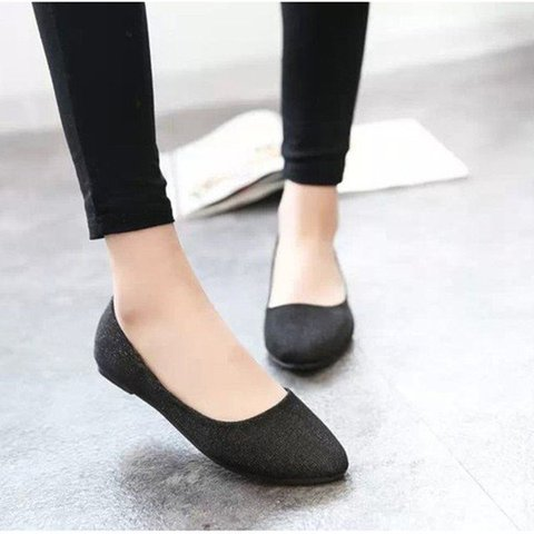 Black Round Toe Women's Slip-On Flats