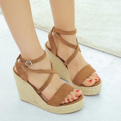 Chic Peep Toe Buckle Wedges Sandals