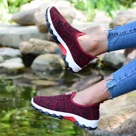 Casual Sport Shoes All Season Round Toe Slip-On Sneakers