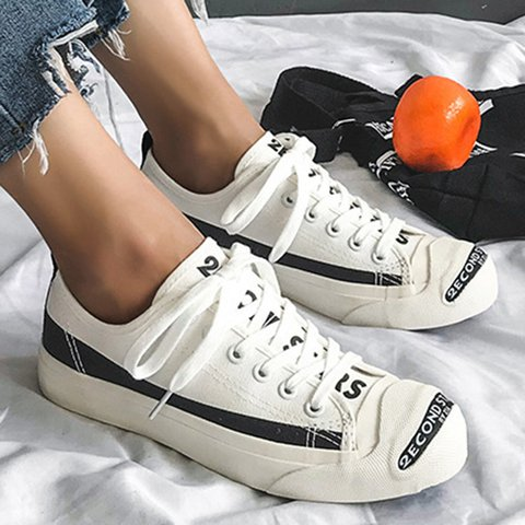 2019 New Lace-Up Canvas Athletic Flat Heel Sneakers Plus Sizes