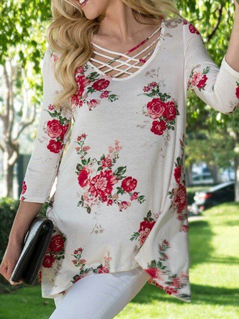 White Crew Neck Floral-Print Holiday T-Shirts