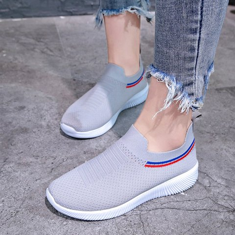 Women Athletic Slip-On Closed Toe Low Heel Plus Size Casual Sneakers
