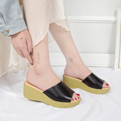 2019 Fashion Waterproof Wedge Heel Female Slippers