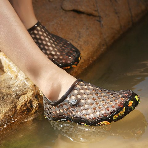 Unisex Water Shoes No-Slip Qiuck Dying Sport Snearkers