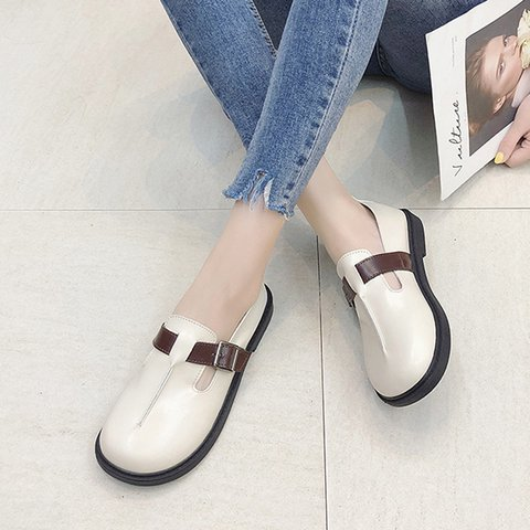 Round Toe Slip-On Flats Women