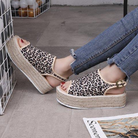 Women's Casual Peep Toe Buckle Strap Platform Sandals