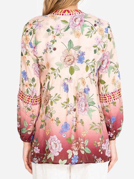 Floral and geometric V-neckline Ombré color