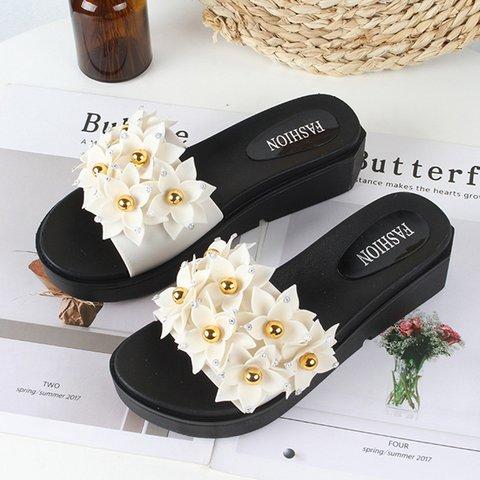 Women Flower Embellished Platform Slide Sandals