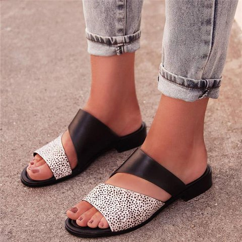 Women Slippers Casual Fashion Flat Strap Plus Size Sandals