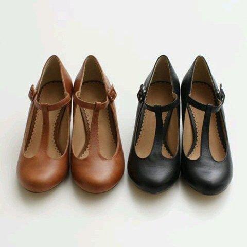 Vintage Pointed Toe  Buckle Strap Sandals