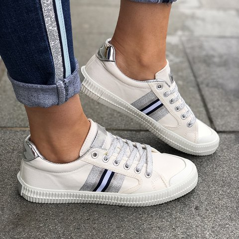 Round Toe Cloth Flat Heel Casual Lace-Up Women Sneakers