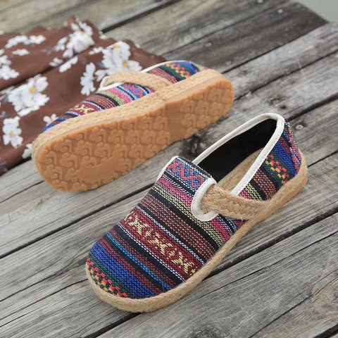 Women Traditional Stripes Slip-on Flat Shoes