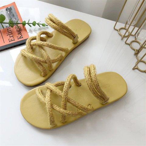 Women Cross Strap Flat Heel Casual Sandals
