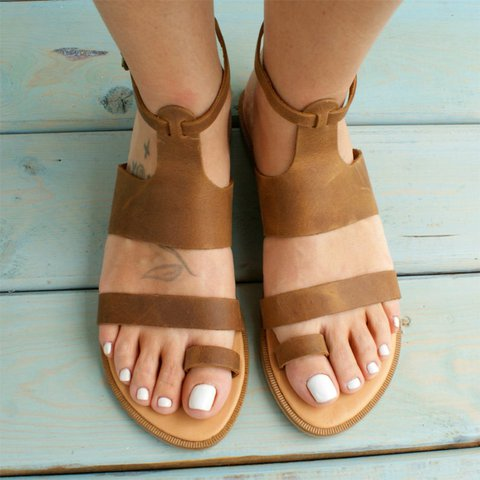 Women Distressed  Ring  Leather Sandal