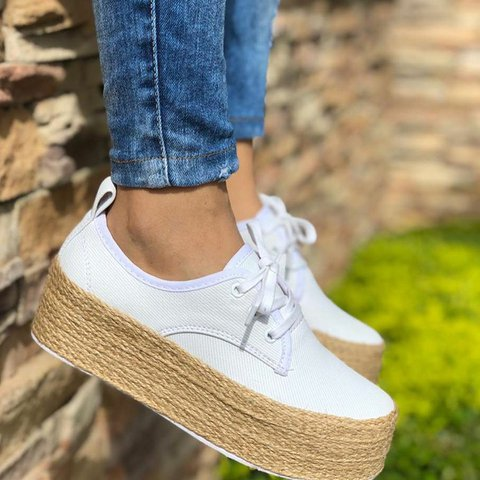 Women's Casual Lace Up All Season Platform Sneakers