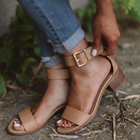 Women Classic Low Chunky Heel Buckle Sandals