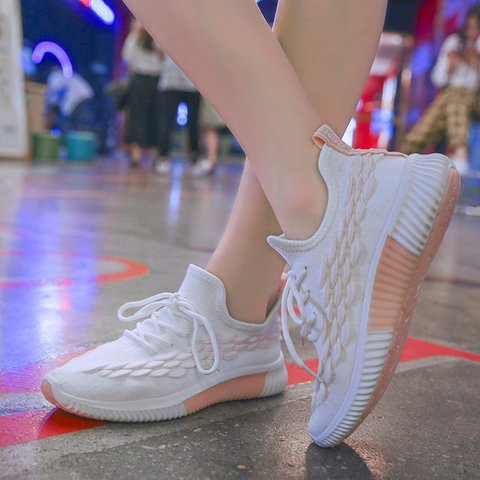 Round Toe Flyknit Fabric Flat Heel Lace-Up Sneakers