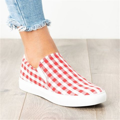 Plus Size Athletic Canvas Plaid Slip-On Sneakers
