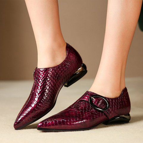 Date Leather Low Heel Pointed Toe Buckle Loafers