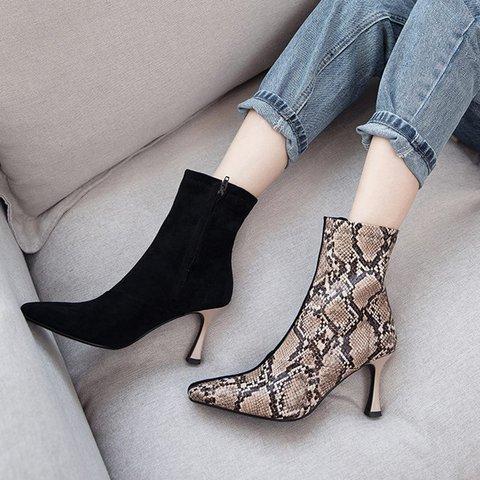 Plus Size Stylish Snakeskin Square Toe Kitten Heel Boots
