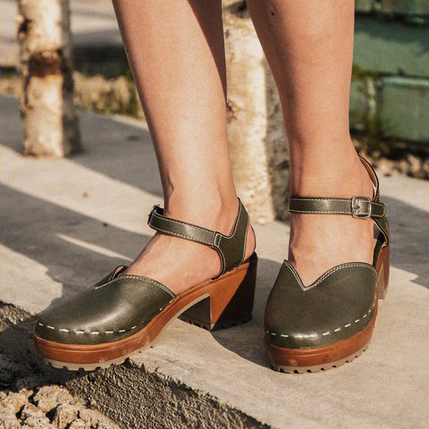 Clogs For Women Vintage Buckle Strap Closed Toe Shoes Chunky Heel Sandals Plus Sizes