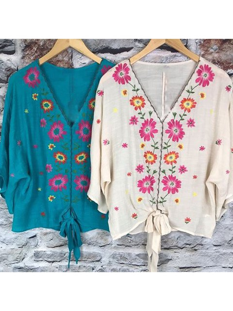 Plus Size Floral V-Neck 3/4 Batwing Sleeves Blouses