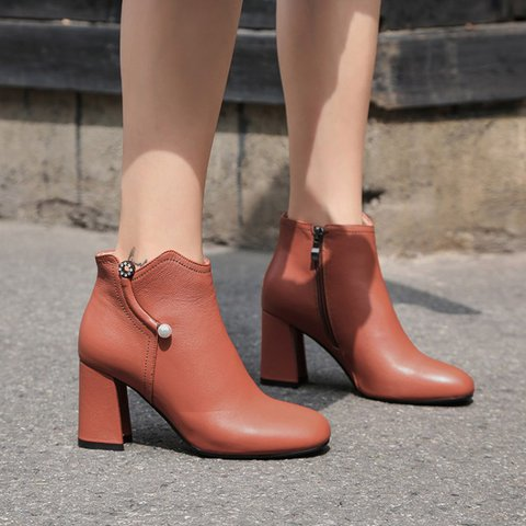 Woman Pearl Block Heel Round Toe Ankle Boots