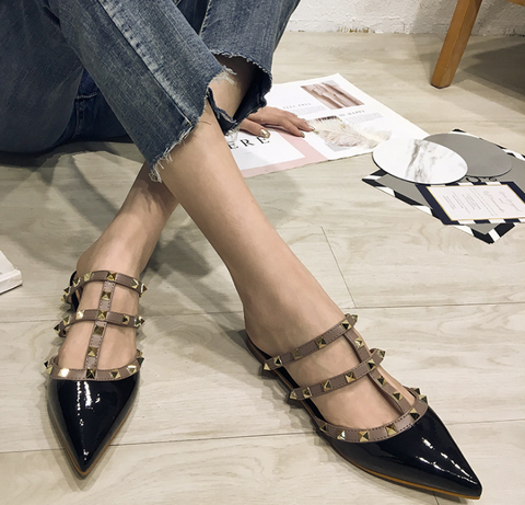 Flat Heel Pointed Toe Casual Black Sandals