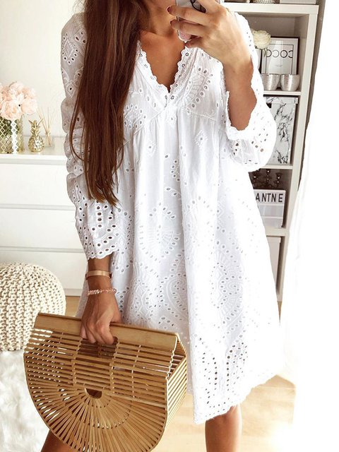 Plus Size Mini Eyelet Dresses V Neck Long Sleeve Solid Dresses
