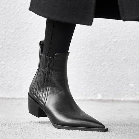 Low Heel Ruffles Boots