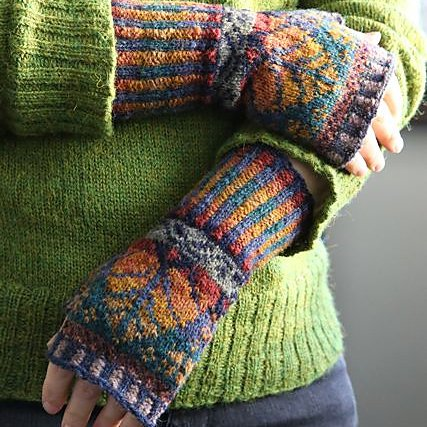Multicolor Casual Gloves & Mittens