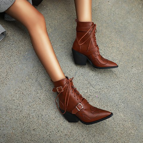 Daily Chunky Heel Button Ankle Boots