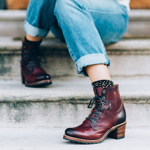 WOmen Lace-Up Chunky Heel Boots